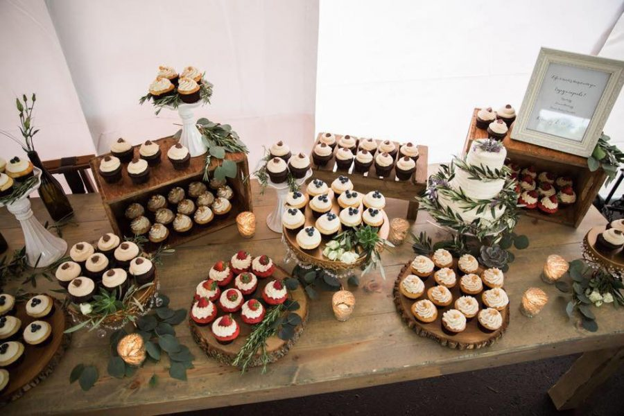 Beautiful wedding display by The Cupcake Couture of De Pere, WI