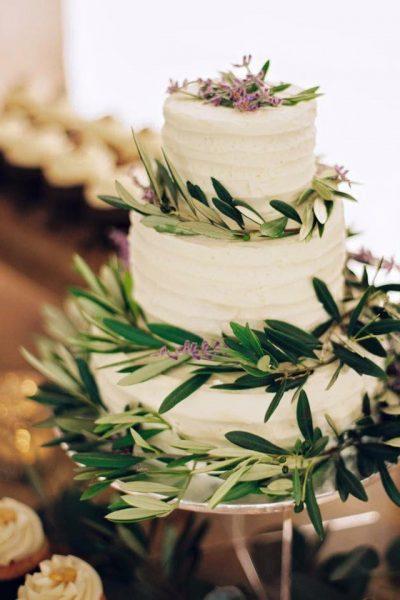 Wedding cake by Cupcake Couture- Green Bay Wedding Cupcakes