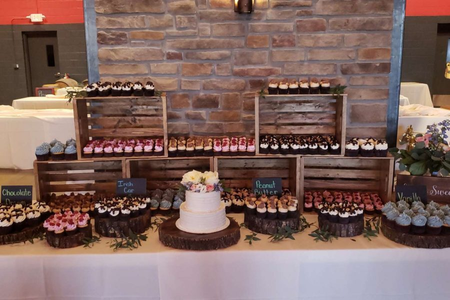Wooden crate cupcake display by Cupcake Couture