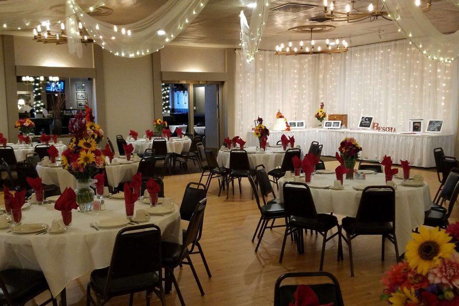 head table at Van Abel's | Fox Valley Weddings