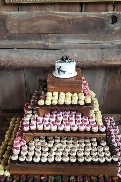 Rustic wooden base cupcake display by Cupcake Couture