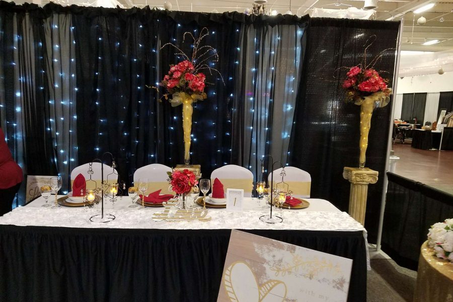 Without a Hitch Head Table Design