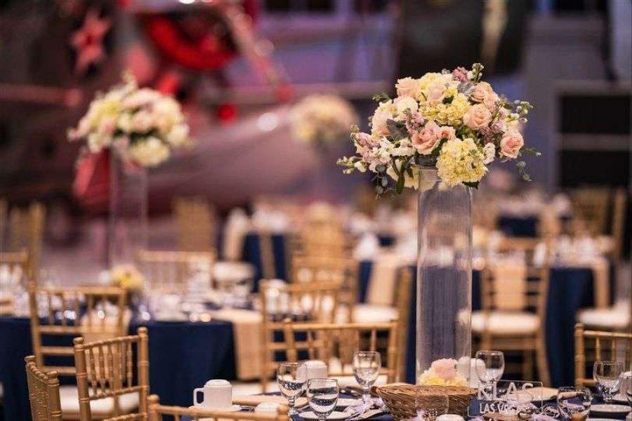Elegant wedding reception at the Eagle Hangar at the EAA Aviation Center in Oshkosh, WI