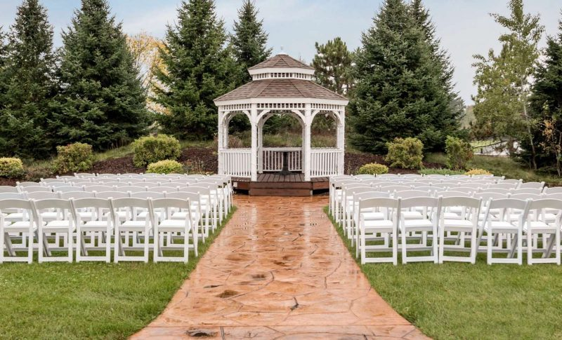 White gazebo for weddings at Par 4 Resort in Waupaca, WI