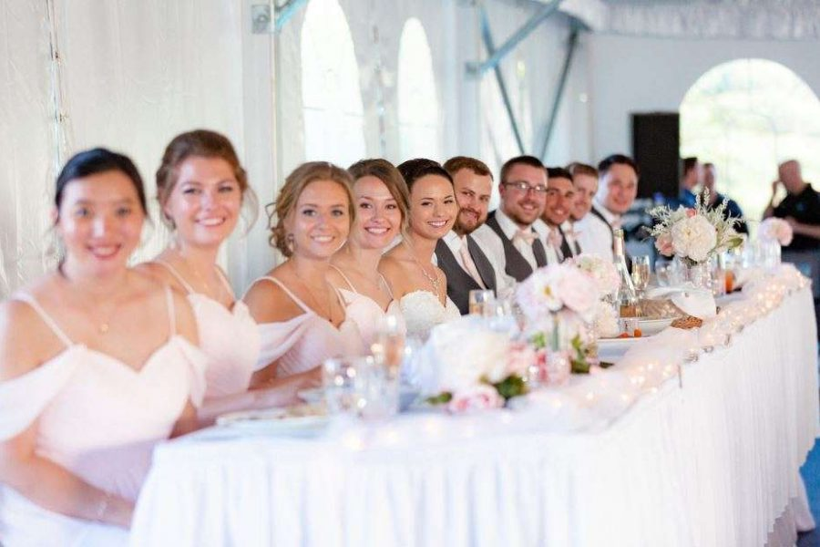Par 4 Resort wedding party at head table