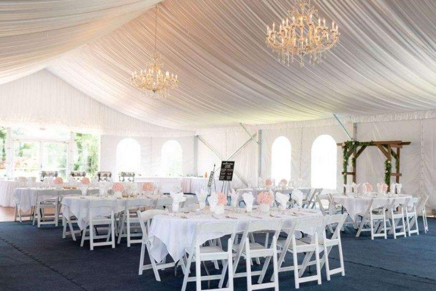 Elegant tented wedding at Par 4 Resort in Waupaca, WI